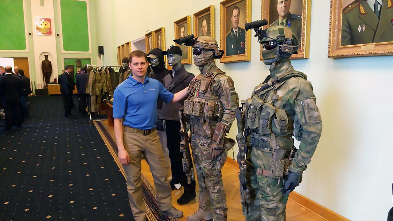 Иван Лобанов, главный специалист по тактической экипировке проекта ALLMULTICAM провёл презентацию многослойной одежды для сотрудников подразделений ФСО России