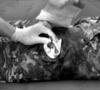 Эластичный марлевый бинт с клапаном давления, мобильной подушкой и петлевой ручкой (10 х 17 см) FCP07 First Care – фото 2
